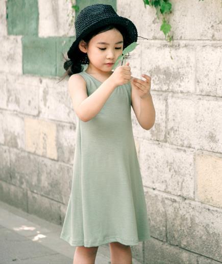 Đầm thun form dài sát nách bé gái