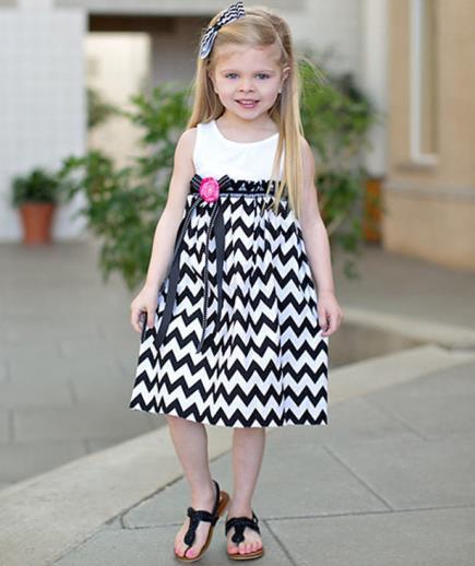 Đầm xòe bé gái họa tiết gợn sóng