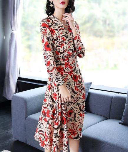 Đầm maxi cổ xéo họa tiết hoa