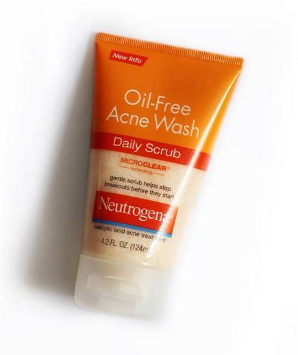 Sữa Rửa tẩy tế bào chết ngăn ngừa mụn Neutrogena Oil Free Acne Wash