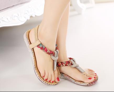 Sandal xỏ ngón đính hạt dây hoa