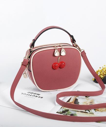 Túi đeo chéo mini hình trái táo