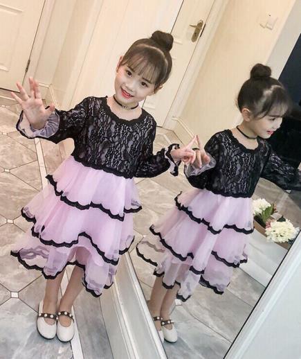Đầm xòe xếp tầng phối ren bé gái