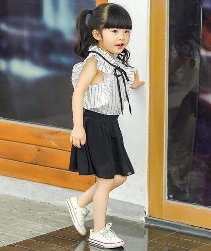 Set áo phối bèo kẻ sọc chân váy xòe bé gái