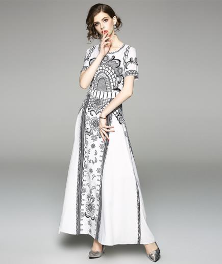 Đầm maxi voan tay ngắn họa tiết cổ điển