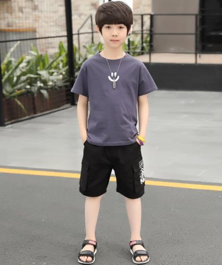 Bộ đồ bé trai quần short túi hộp phối áo thun họa tiết mặt cười