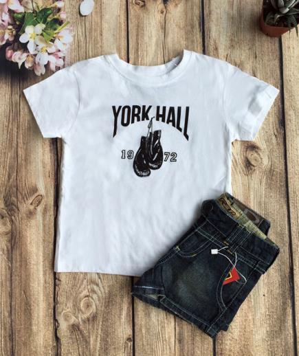 Set áo thun phối quần short jean bé gái