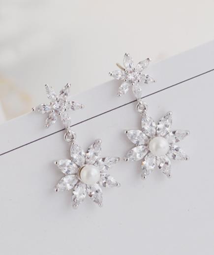 Bông tai ngọc trai hoa tuyết