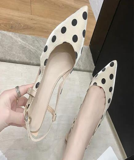 Giày quai hậu mũi nhọn chấm bi 3cm