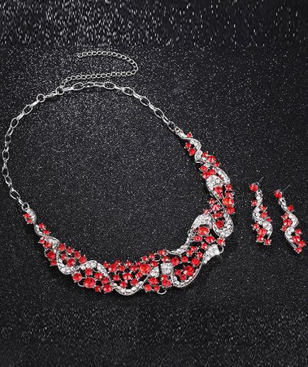 Bộ trang sức kim cương đỏ