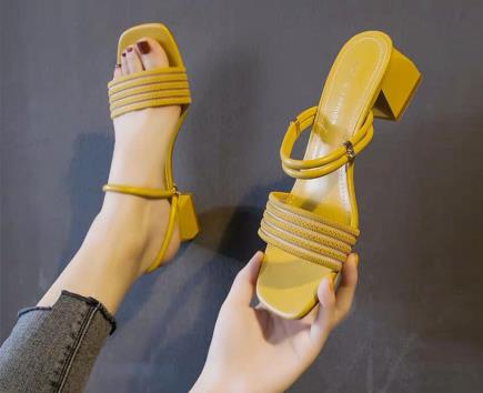 Sandal quai ngang mũi vuông 2 kiểu