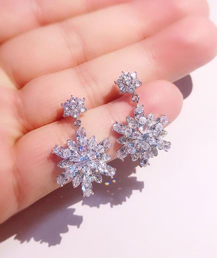 Bông tai kim cương hoa tuyết