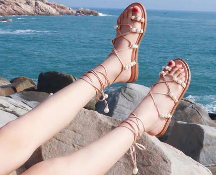 Sandal dây xỏ ngón quai gắn ngọc