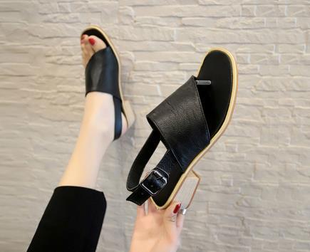 Sandal mũi vuông xỏ ngón bản chéo 2cm