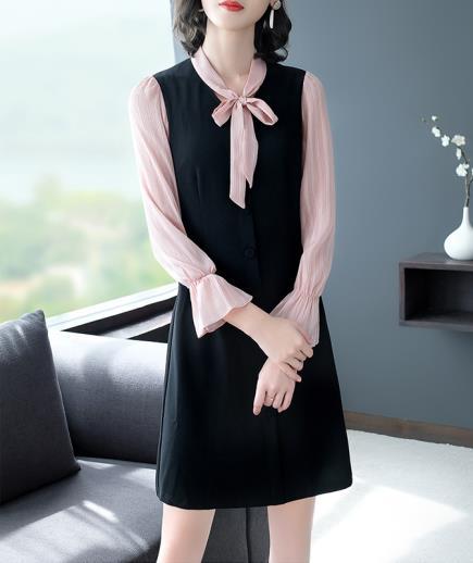 Đầm suông thắt nơ tay loe