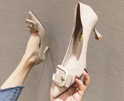 Giày mũi nhọn phối khóa cài 5cm