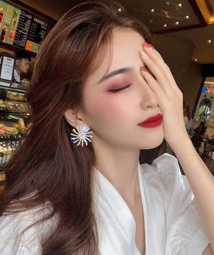 Hoa Tai Kim Cương Vòng Xoáy