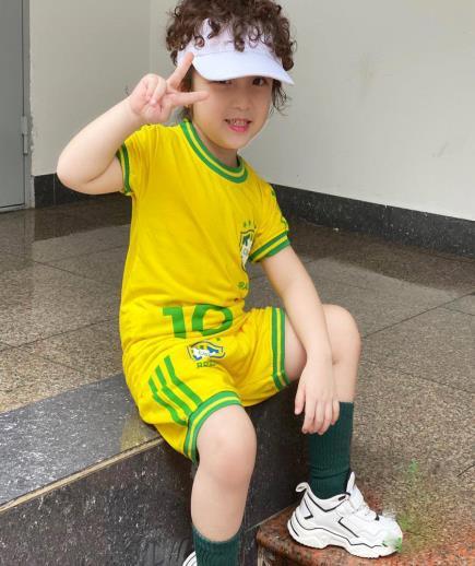 Bộ quần áo thể thao cộc tay hình số 10