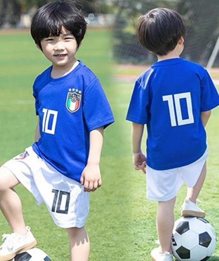 Bộ quần áo thể thao số 10