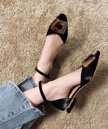 Giày búp bê mũi vuông gắn khóa kiểu