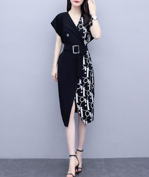 Đầm lụa cổ vest phối chữ