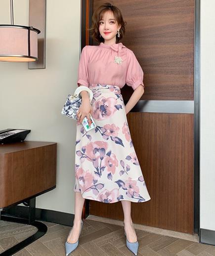 Set áo hồng cột nơ phối chân váy hoa
