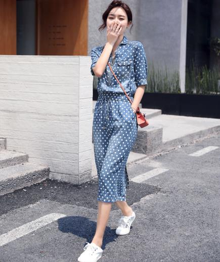 Đầm denim cotton hoạ tiết chấm bi
