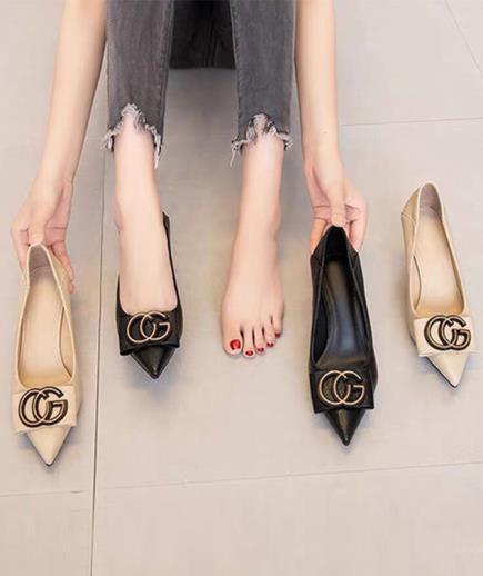 Giày cao gót mũi nhọn gắn khóa GC 5cm