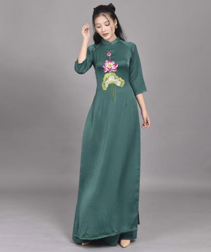 Áo dài truyền thống họa tiết hoa sen tay lỡ