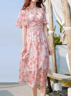 Đầm voan dáng xòe họa tiết hoa lá phối ren