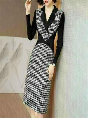 Đầm body cổ vest họa tiết caro phối màu