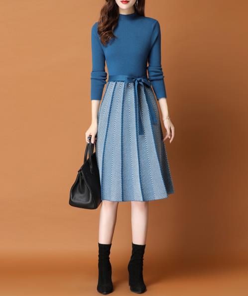 Đầm len xòe phối màu cột eo