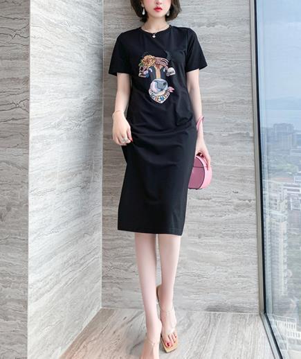 Đầm suông thun dáng dài họa tiết sửu xinh