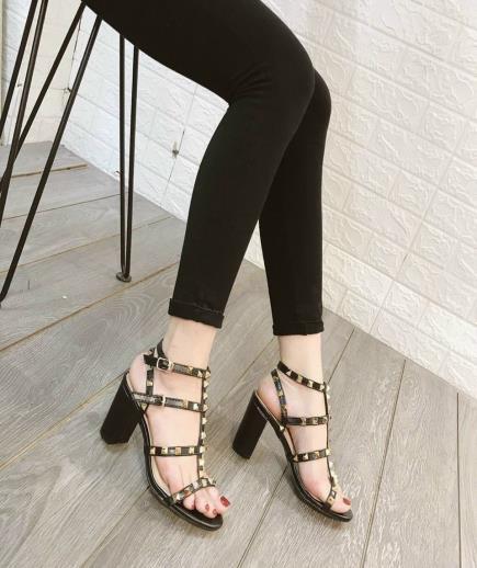 Sandal quai đinh tán 7cm