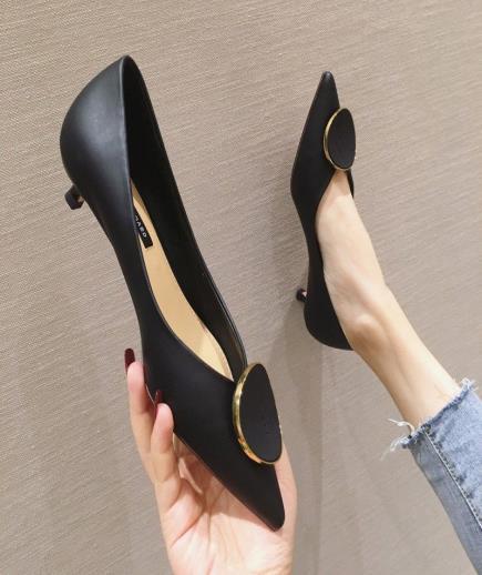 Giày công sở mũi nhọn gắn phụ kiện 3cm