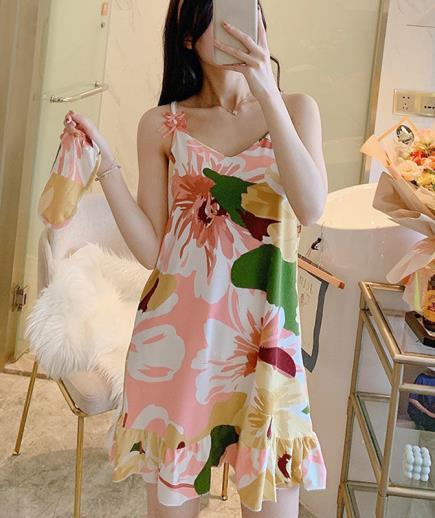 Đầm mặc nhà hai dây họa tiết hoa lớn