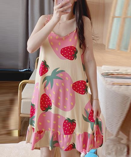 Đầm mặc nhà hai dây họa tiết trái dâu