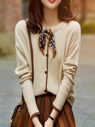 Áo len dài tay cài nút phối khăn